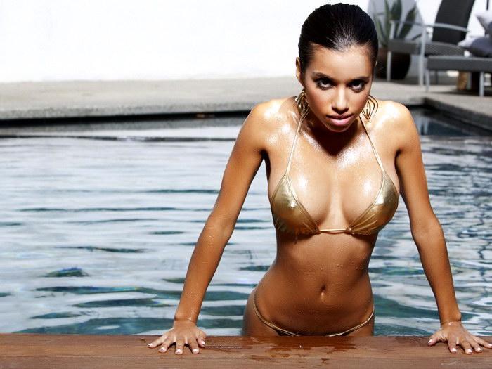Lupe Fuentes Hot Brunette Wet Bikini Gigantic Print POSTER ...