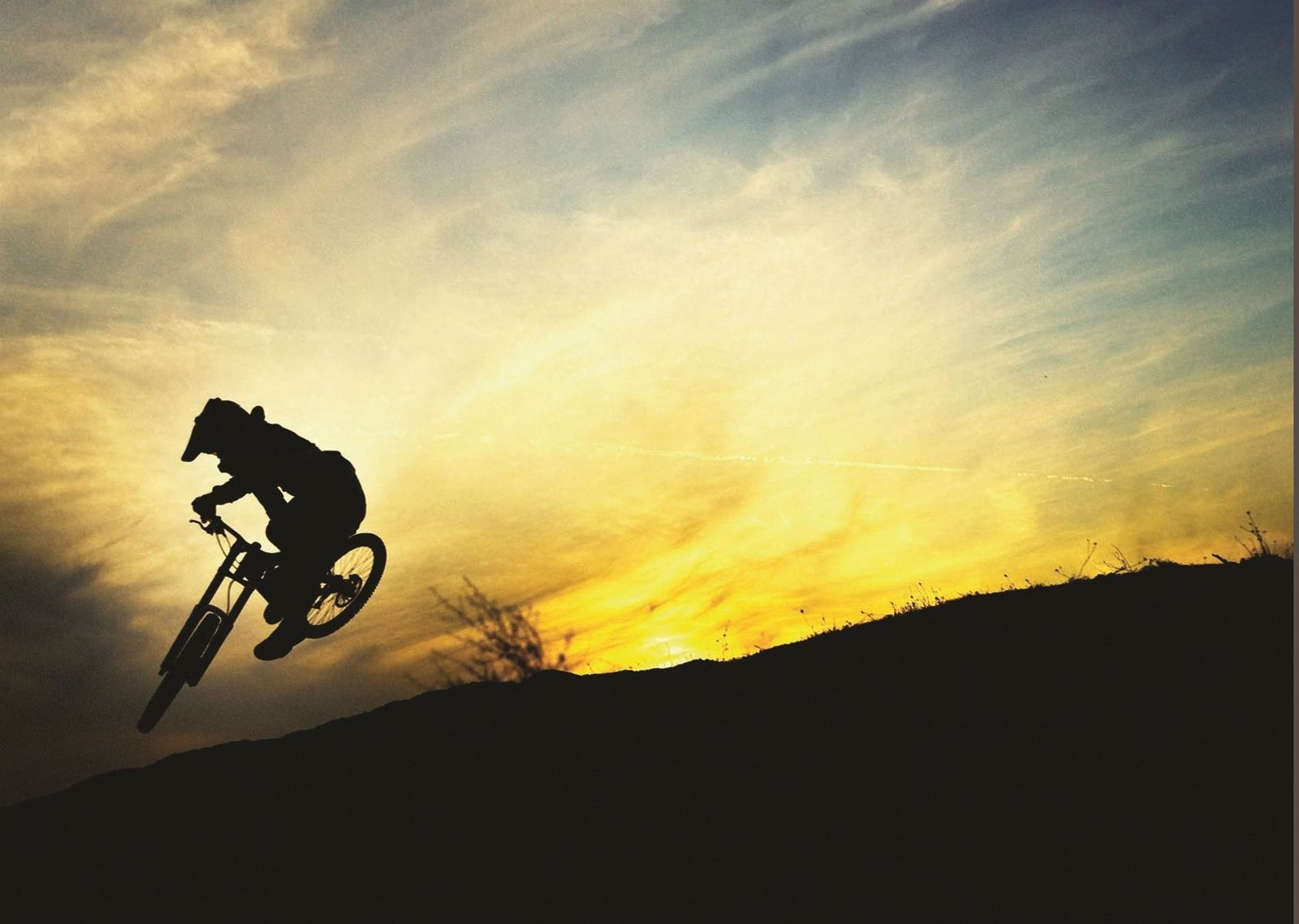 138531 BMX MOUNTAIN BIKE SUNSET JUMP Wall Print Poster UK | eBay
