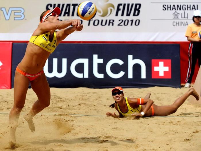 Jennifer Kessy Beach Volleyball damen FRAMED CANVAS PRINT FR