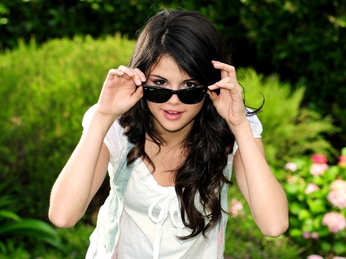 Selena Gomez Sunglasses Singer Music Wall Print POSTER AU