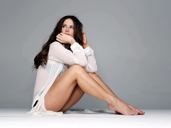 Image Is Loading Kate Beckinsale Hot Actress Sexy Legs Wall Print