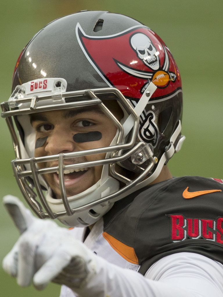 c12d00264 Image is loading V8659-Mike-Evans-Tampa-Bay-Buccaneers-Football-Player-